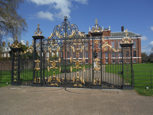 On day 6, we visited Kensington Palace. Those old enough to remember Princess Diana's death may recognize this is the gate where the memorial of flowers and flowers were left by visitors. Now, it is best known as the home of Prince William, Princess Kate, and their children.