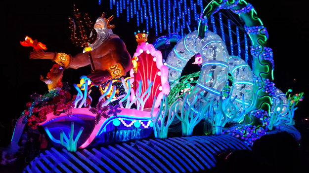 No visit under the sea would be complete without Ariel and King Triton. I really love this float. The colors are amazing.